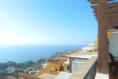 Cheap residential for sale in Cumbre. 2 bedroom apartment with panoramic seaviews in complex with pool in Cumbre del Sol