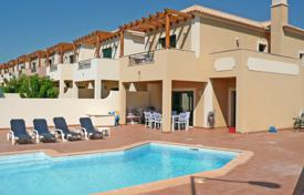 Houses for sale in Faro. Modern 2 bedroom Linked Villa with private Pool near Burgau