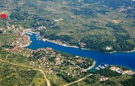 Coastal development land for sale in Split-Dalmatia County. Large plot of land with a sea view, Milna, Croatia