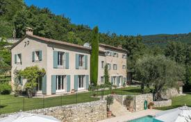 Residential for sale in Le Bar-sur-Loup. Cannes Backcountry — Authentique renewed Mas with panoramique view