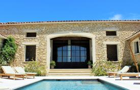 Close to Gordes center — Lovely stone built villa with heated pool. Price on request