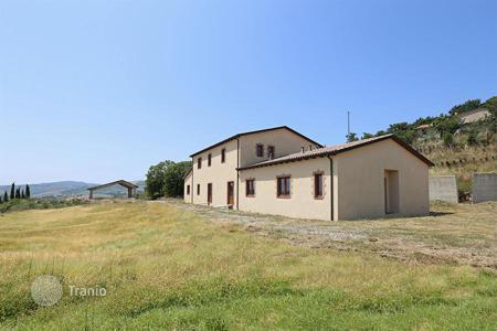 Land for sale in Tuscany. Farm for sale in Tuscany