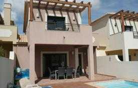 Residential for sale in Budens. Modern 2 bedroom linked villa with private pool
