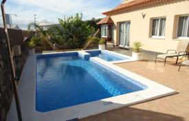 4 bedroom houses for sale in Santa Cruz de Tenerife. Villa – Adeje, Canary Islands, Spain