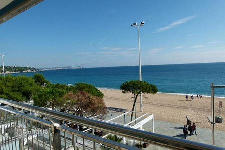 4 bedroom apartments for sale in Costa Brava. Apartment – Castell Platja d'Aro, Catalonia, Spain