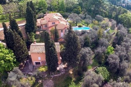 Luxury property for sale in Grasse. Villa – Grasse, Côte d'Azur (French Riviera), France