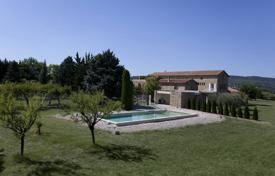 Property for sale in Languedoc - Roussillon. Close to Uzès — Wonderful castle