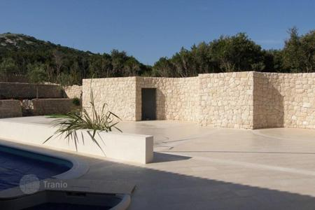 Luxury residential for sale in Zadar County. Villa Beautiful villa in the Zadar archipelago! Seafront!