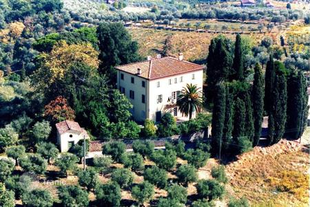Villas and houses with pools to rent in Tuscany. Villa - San Concordio di Moriano, Tuscany, Italy