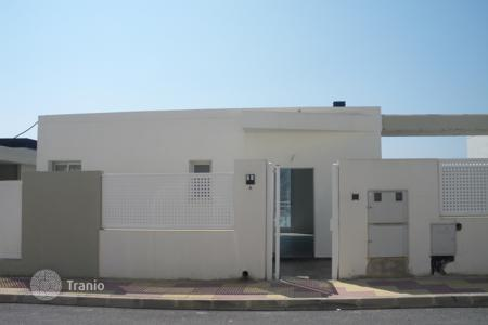 Bank repossessions property in Cullera. Villa – Cullera, Valencia, Spain