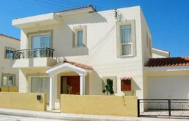 3 bedroom houses by the sea for sale in Paphos (city). Detached 3 Bedroom Villa in a Popular Residential Area — Universal