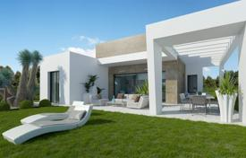3 bedroom houses for sale in Benejuzar. 3 bedroom one-level villas with private garden and parking space and complex with pool, in La Finca, Algorfa