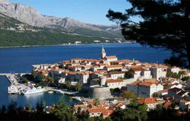 Coastal houses for sale in Dubrovnik Neretva County. Roh-bau Villa on the island of Korčula