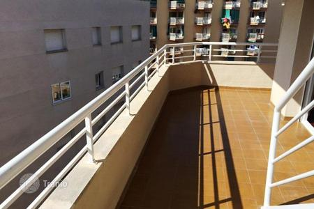 Property for sale in Costa Dorada. Corner penthouse in one of the best areas of Salou, only 800 m from the sea, Costa Dorada