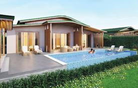 Off-plan houses with pools for sale overseas. Villas with pools and terraces, in a new oceanfront residence with a 5-star hotel and a restaurant, Cam Ranh. High rental potential!