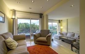 3 bedroom apartments for sale in Castelldefels. Two-level penthouse with a rooftop terrace in a residential complex in the prestigious area of Gava Mar, Castelldefels, Spain