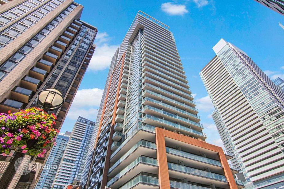 Apartment for sale in Toronto, Canada — listing #1891540