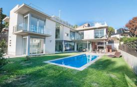 Luxury 5 bedroom houses for sale in Costa del Garraf. Villa – Castelldefels, Catalonia, Spain