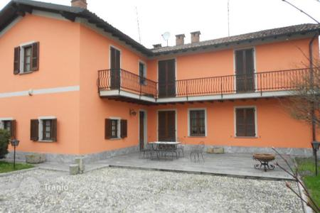 Residential for sale in Stradella. Elegant country-house, OLTREPO'PAVESE