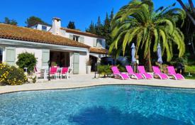 5 bedroom houses for sale in Côte d'Azur (French Riviera). Le Cannet — Two Villas — Sea View — Pools