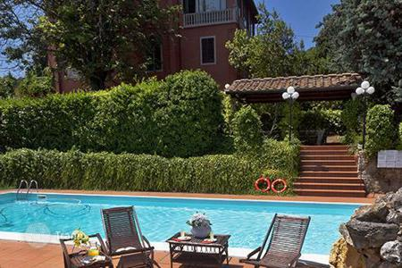 Villas and houses with pools to rent in Pisa. Villa Gicaber