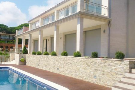Luxury 6 bedroom houses for sale in Costa del Maresme. Luxury house in Cabrils