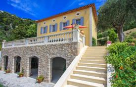 5 bedroom houses for sale in Èze. Villa with magnificent views of the sea and the medieval castle of Eze Village