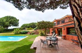 Houses for sale in Sant Vicenç de Montalt. Luxury seaview villa with a pool, a Japanese garden and a pine alley, close to a golf course, Sant Vicenç de Montalt, Catalonia