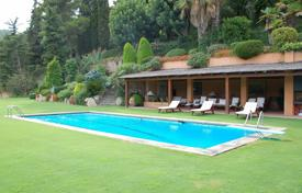 Luxury houses with pools for sale in Catalonia. Villa – Lloret de Mar, Catalonia, Spain