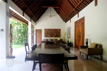 4 bedroom villas and houses by the sea to rent in Bali. Villa – Seminyak, Bali, Indonesia
