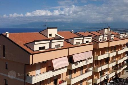 Coastal property for sale in Calabria. Apartment – Calabria, Italy