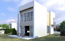 Houses for sale in Girne. Elegant villas with a modern design in the area of Karaolanolo at the foot of the Cyrene Mountains overlooking the Mediterranean Sea