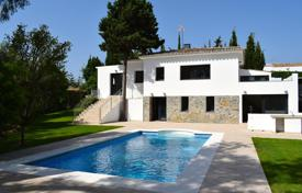 4 bedroom houses for sale in Malaga. Renovated villa with swimming pool and garage, in Guadalmina Alta, Malaga, Spain