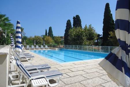 2 bedroom apartments by the sea for sale in Bordighera. Bordighera a luxury apartment for sale