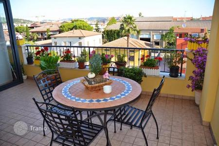Apartments for sale in Martinsicuro. Two-bedroom apartment with terrace in the seaside town Martinsicuro, in Abruzzo, Italy