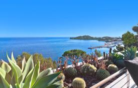 Villas and houses for rent with swimming pools in Saint-Jean-Cap-Ferrat. Saint-Jean Cap Ferrat — Panoramic sea view modern property