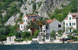 Luxury houses for sale in Kotor. Luxury seafront villa in Boko-Kotor bay