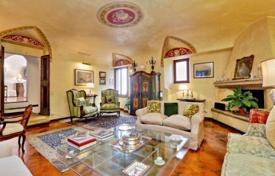 5 bedroom apartments to rent in Rome. Stunning 5 bedroom in Rome, close to the river. 12 guests welcome.