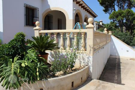 Houses with pools by the sea for sale in Denia. Villa – Denia, Valencia, Spain