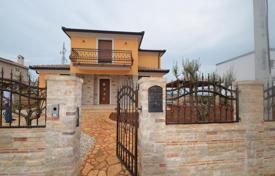 Residential for sale in Umag. Townhome – Umag, Istria County, Croatia
