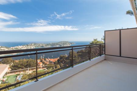 4 bedroom apartments for sale in Provence - Alpes - Cote d'Azur. Superb duplex with terraces and sea view