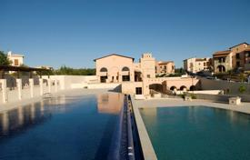 Luxury townhouses for sale in Cyprus. Townhouse with pool and garden in Kouklia, near Paphos