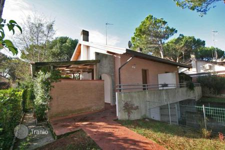 Residential for sale in Lignano Sabbiadoro. Lovely low maintenance facebrick home situated in a nice quiet area, 2 bedrooms