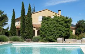Residential for sale in Lourmarin. Lourmarin - Magnificent Bastide
