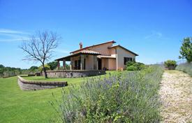 2 bedroom houses by the sea for sale in Tuscany. Farmhouse for sale in Pitigliano