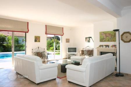 6 bedroom villas and houses by the sea to rent in France. Villa – Antibes, Côte d'Azur (French Riviera), France