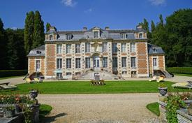 Residential to rent in Normandy. Chateau de Saint Maclou