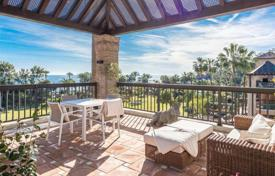 Apartments with pools for sale in San Pedro Alcántara. Two-level penthouse with panoramic sea views in San Pedro Alcantara, Andalusia, Spain