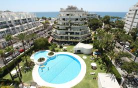 Luxury apartments with pools for sale in Spain. Penthouse for sale in Marbella Centro, Marbella