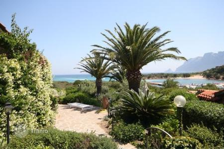 3 bedroom villas and houses by the sea to rent in Italy. Villa - Province of Olbia-Tempio, Sardinia, Italy